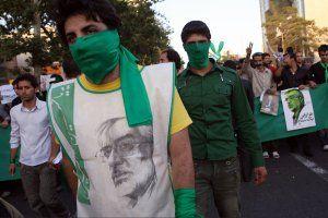iran-revolution-fe03-tease