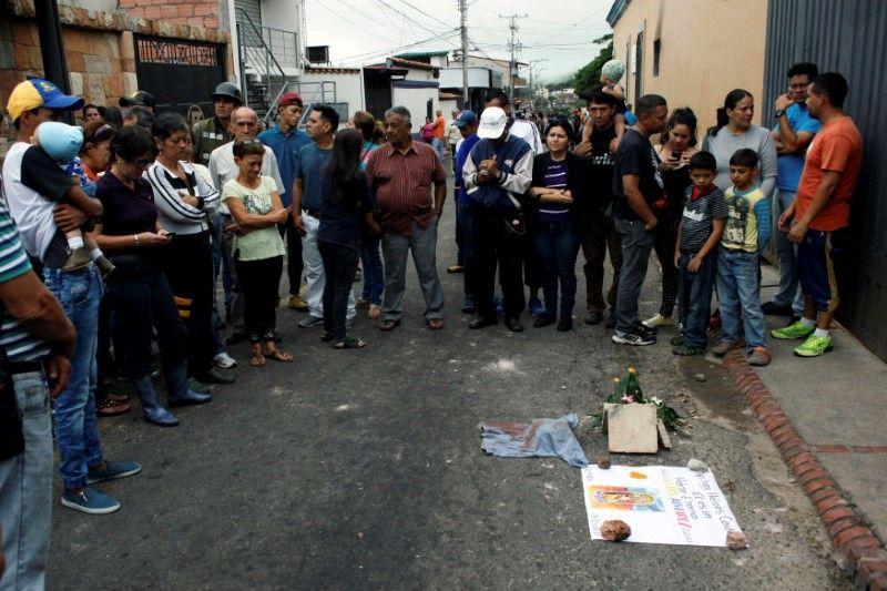 Venezuela mourning dead teenager