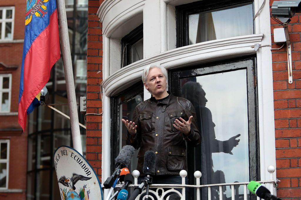 """WikiLeaks' Julian Assange declares """"war"""" after rape allegations are dropped"""
