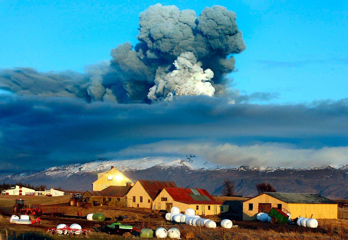iceland-volcano-V2