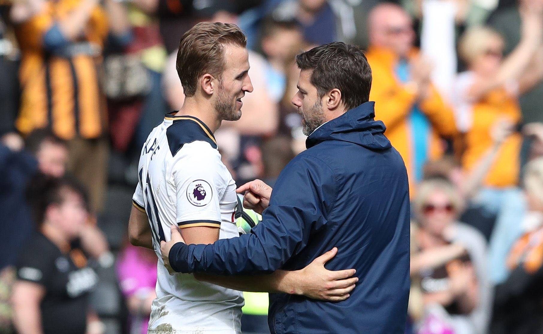 Tottenham Hotspur's Harry Kane, left, with Mauricio Pochettino.