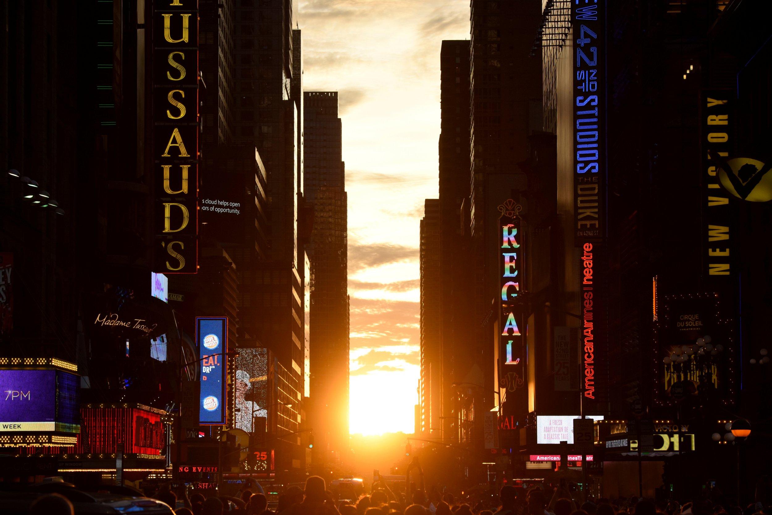 5-24-17 Manhattanhenge 1