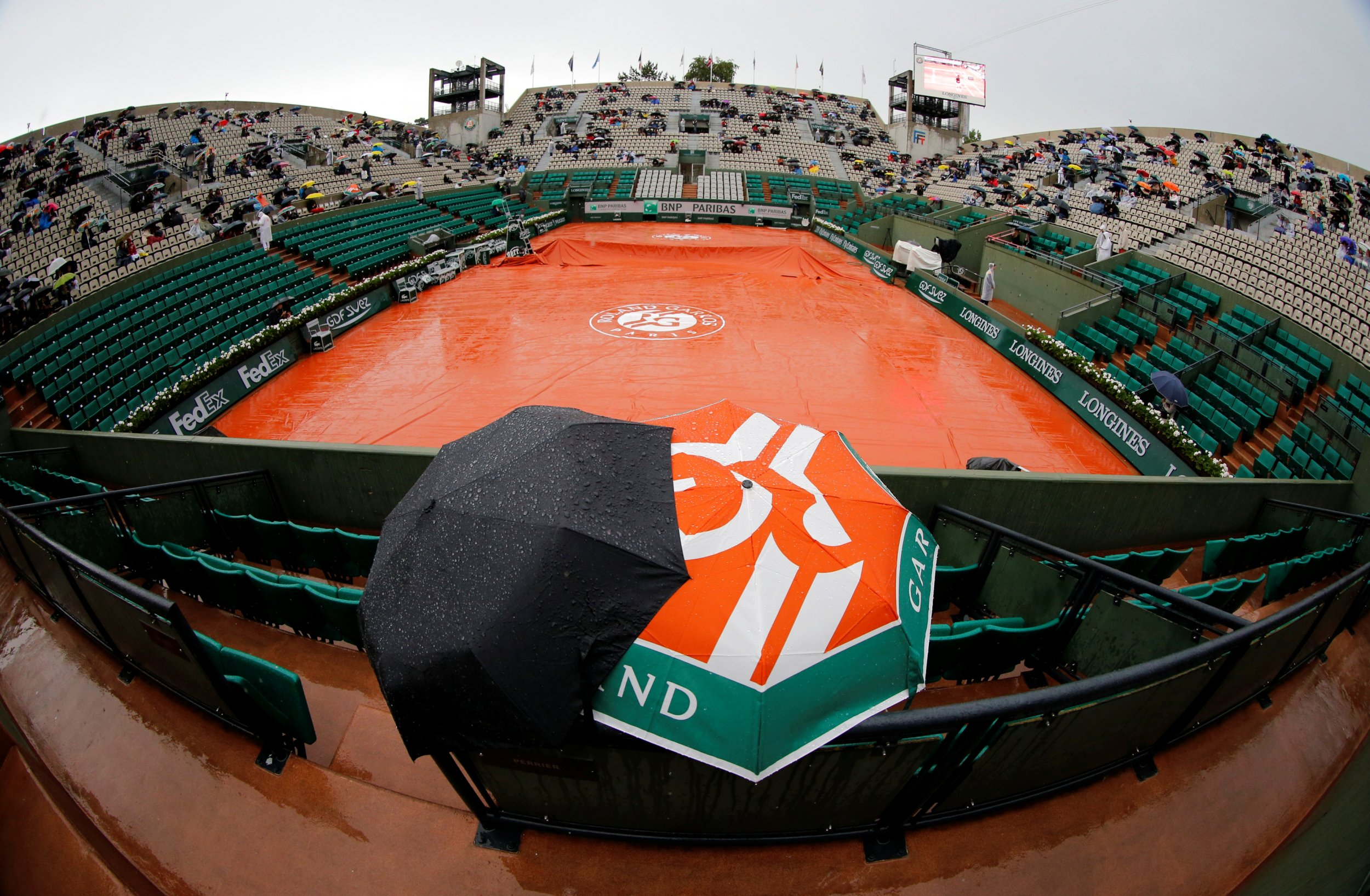View of the Suzanne Lenglen court at the Roland Garros stadium in Paris, France, June 4 2014.