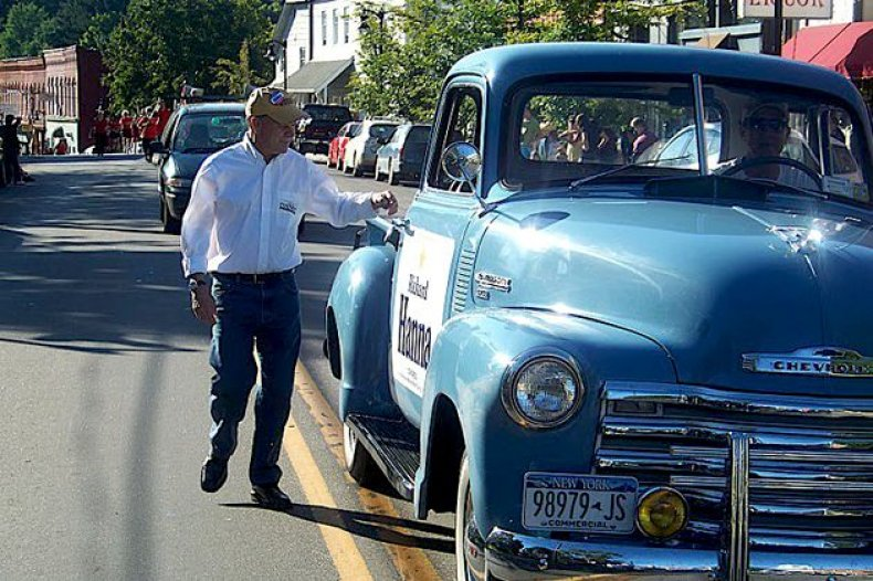 campaign-trucks-hanna