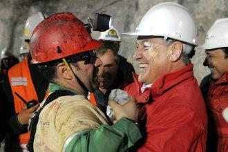 pinera-chile-miners-hsmall
