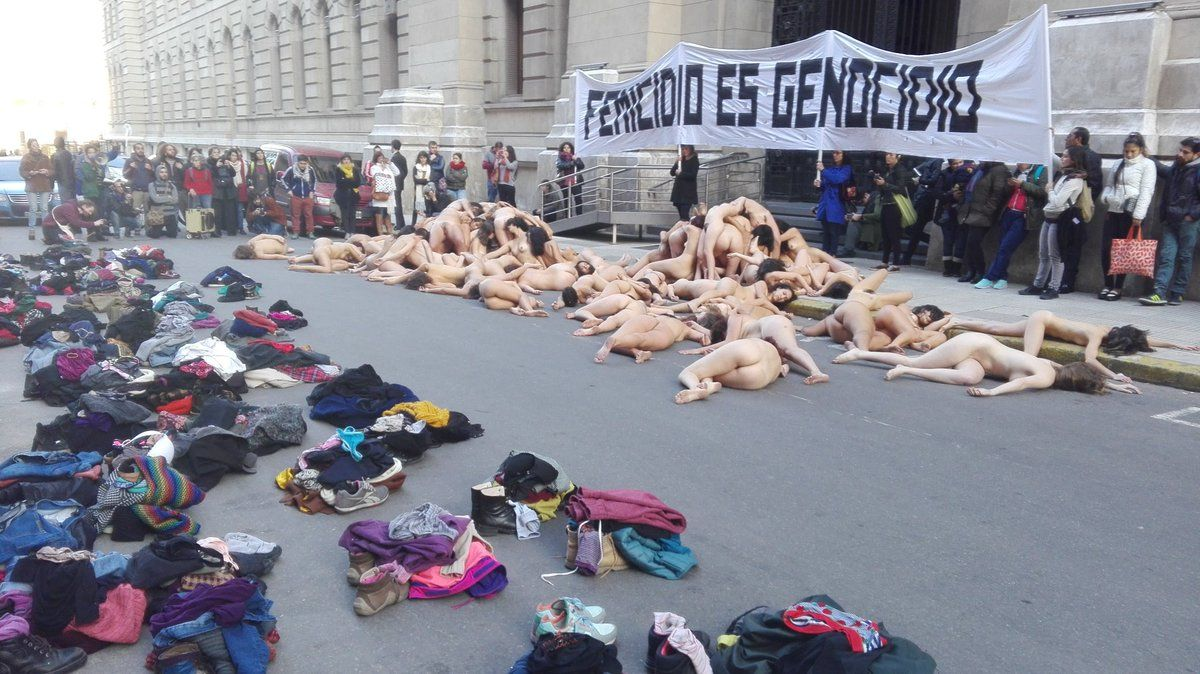 Femicide flash mob Argentina