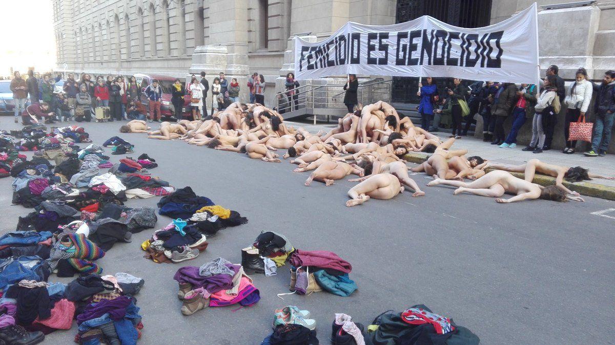 Femicide flash mob Argentina