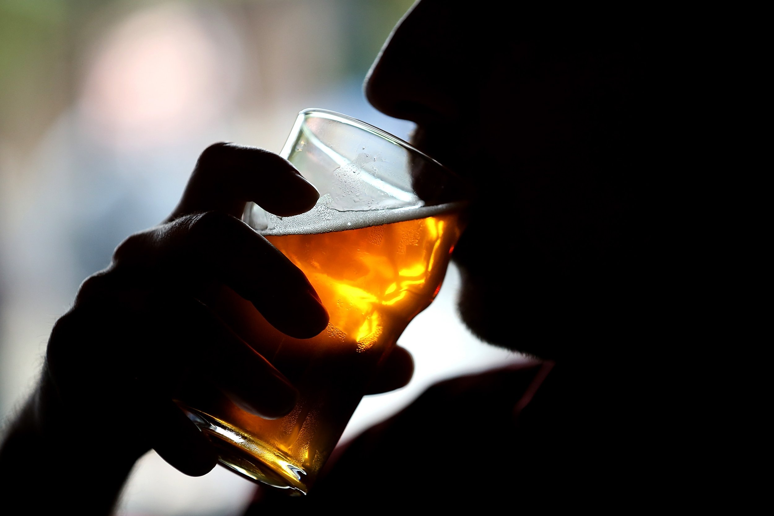 Alcohol and Brain Damage: Moderate Drinking Linked to Cognitive Decline