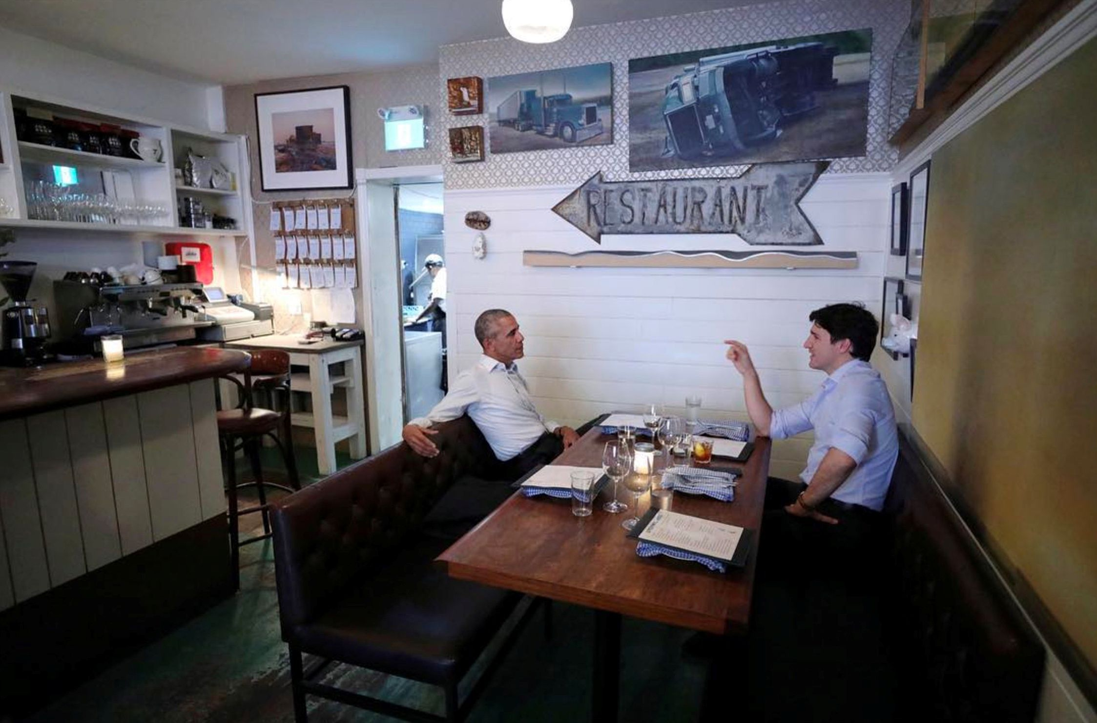 Obama dines with Trudeau