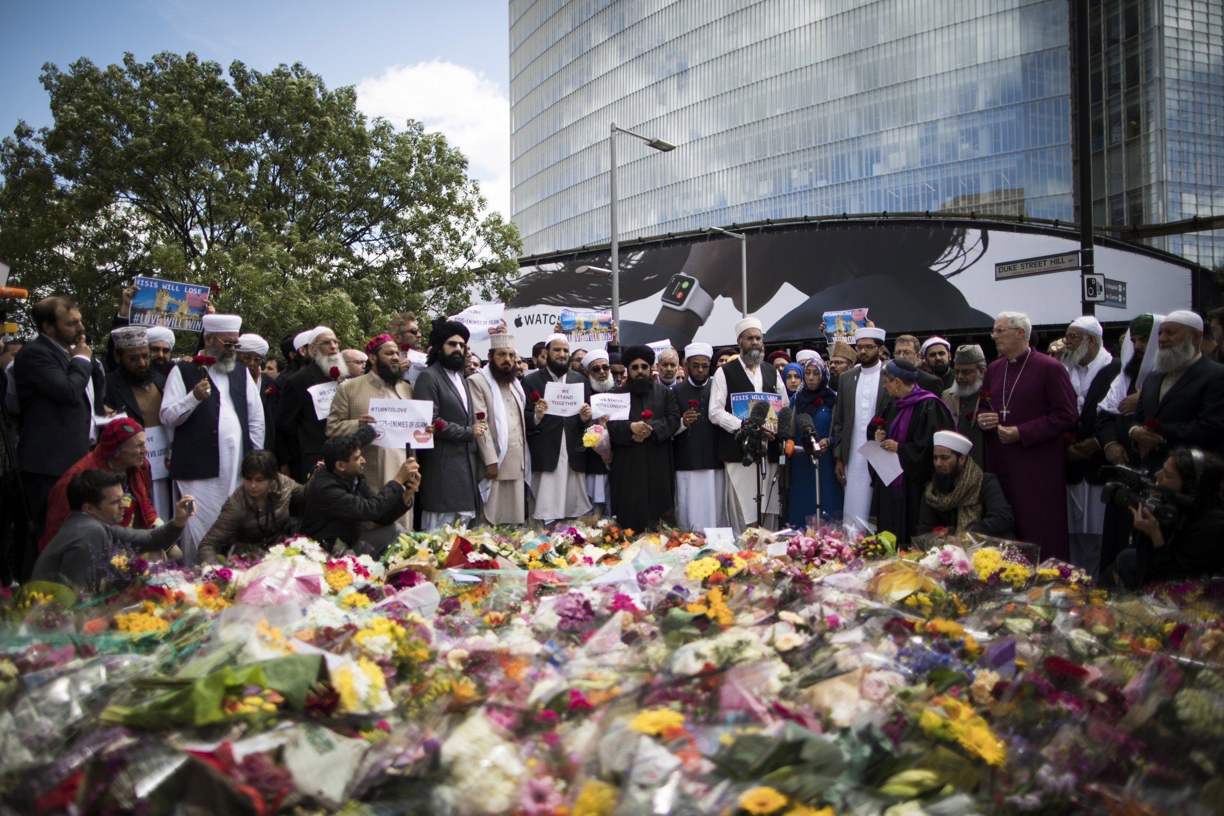 London attack anti muslim hate crimes increase fivefold after isis london attack anti muslim hate crimes increase fivefold after isis assault izmirmasajfo