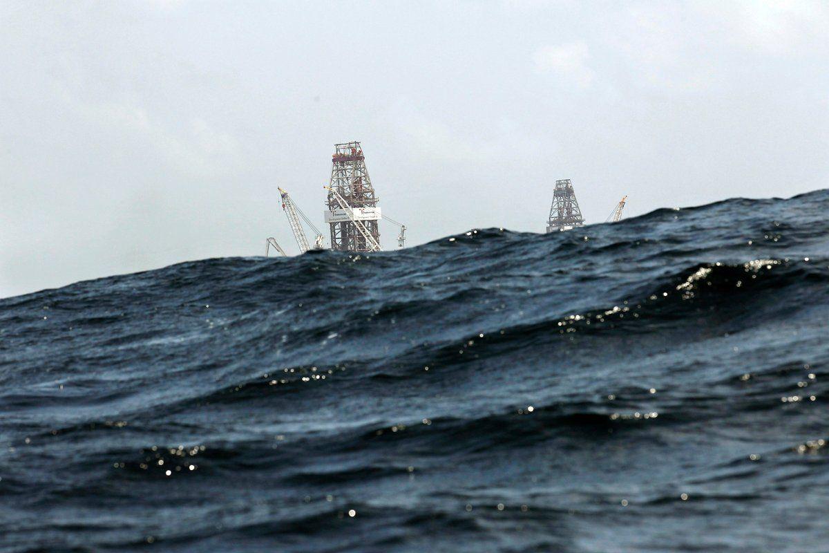 oil-spill-timeline-july-23-waves