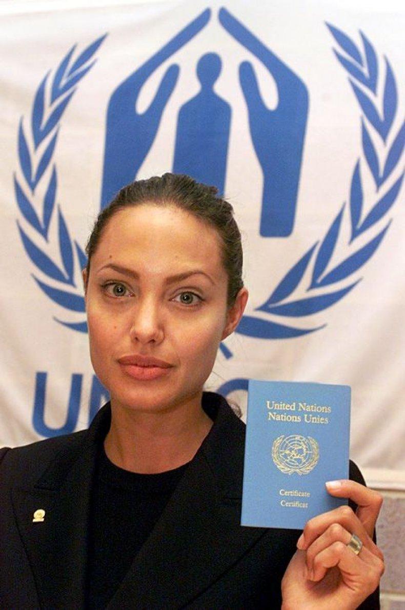 jolie-charity-goodwill-UN-2001-300