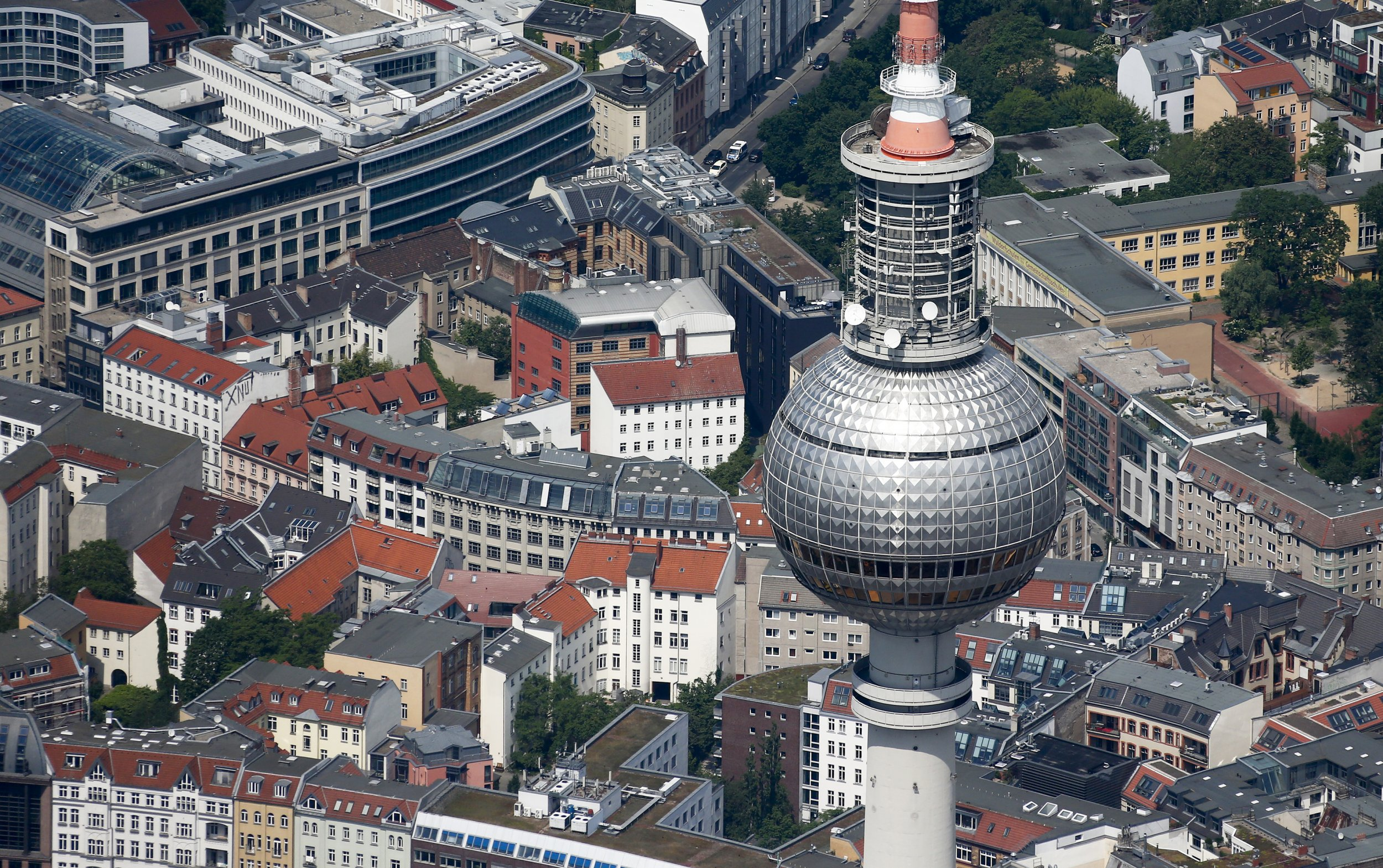 Aerial photo shows the television tower in Berlin, Germany, May 29, 2016.  Hannibal Hanschke/Reuters
