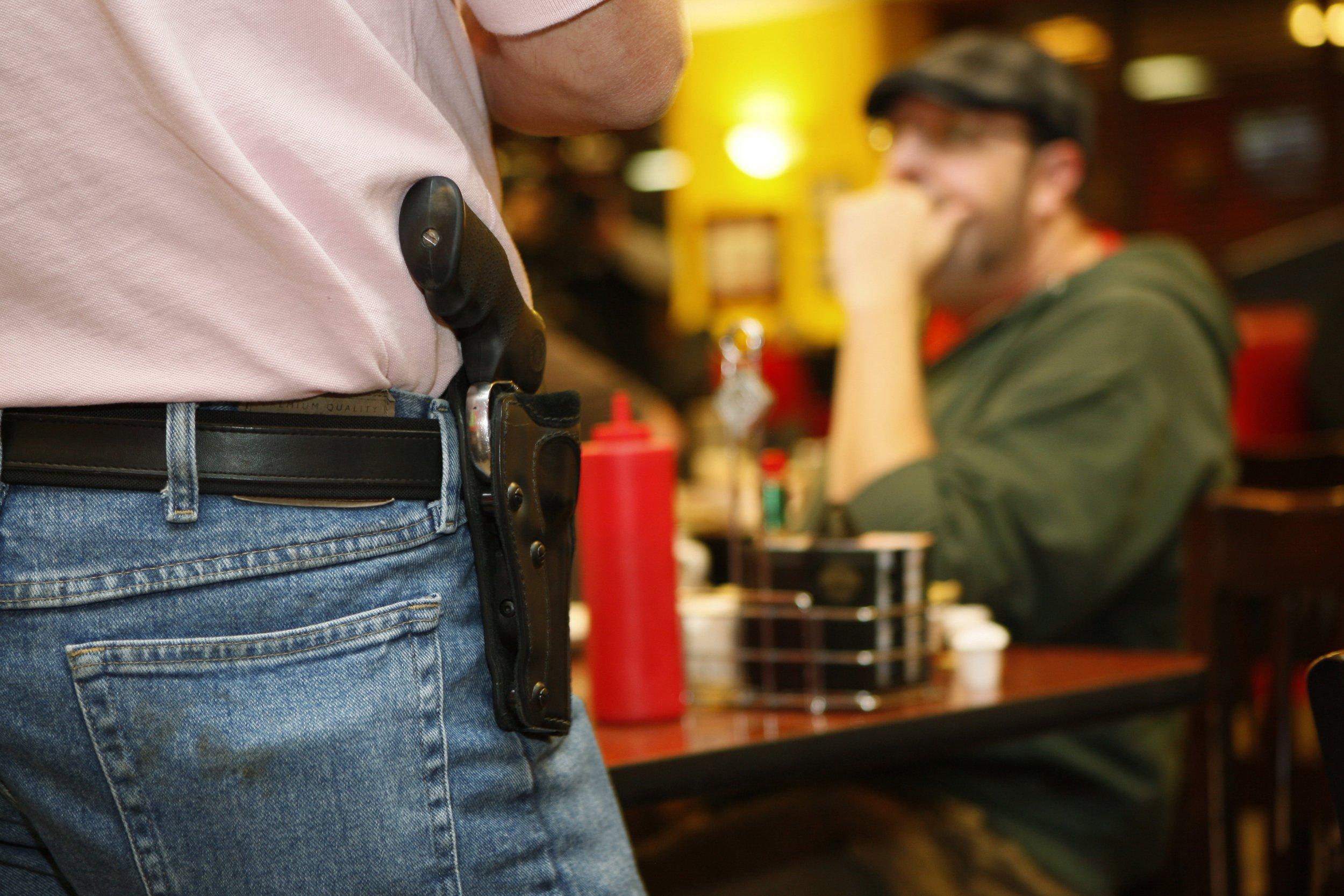 0620_gun_bill_Alexandria_shooting_012