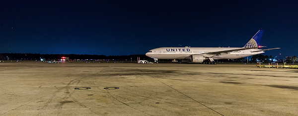 Extreme turbulence sends 10 United Airlines passengers to the hospital