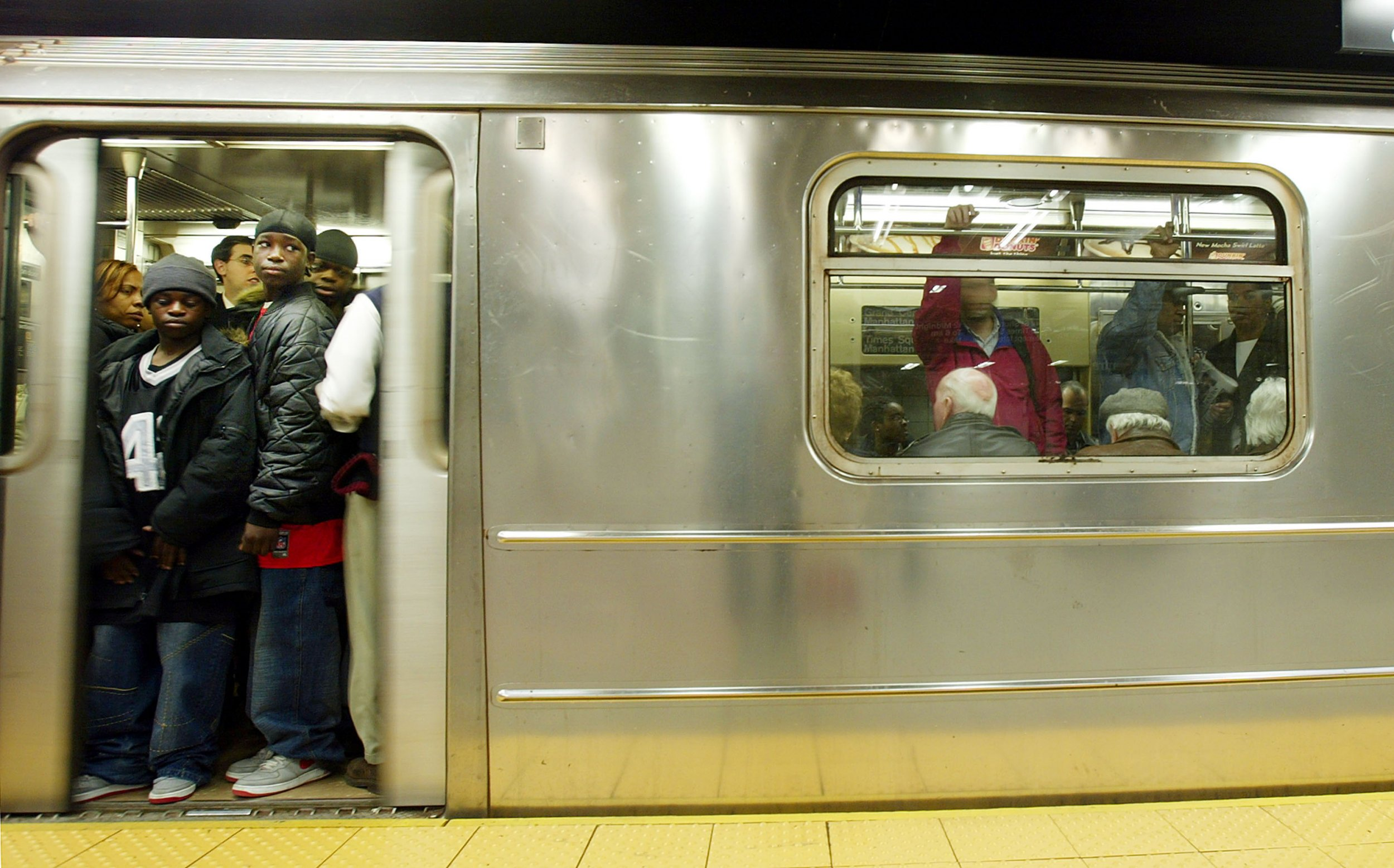 new york city subway crisis spurs calls to oust governor