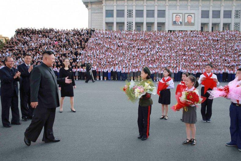 Kim Jong Un and flowers