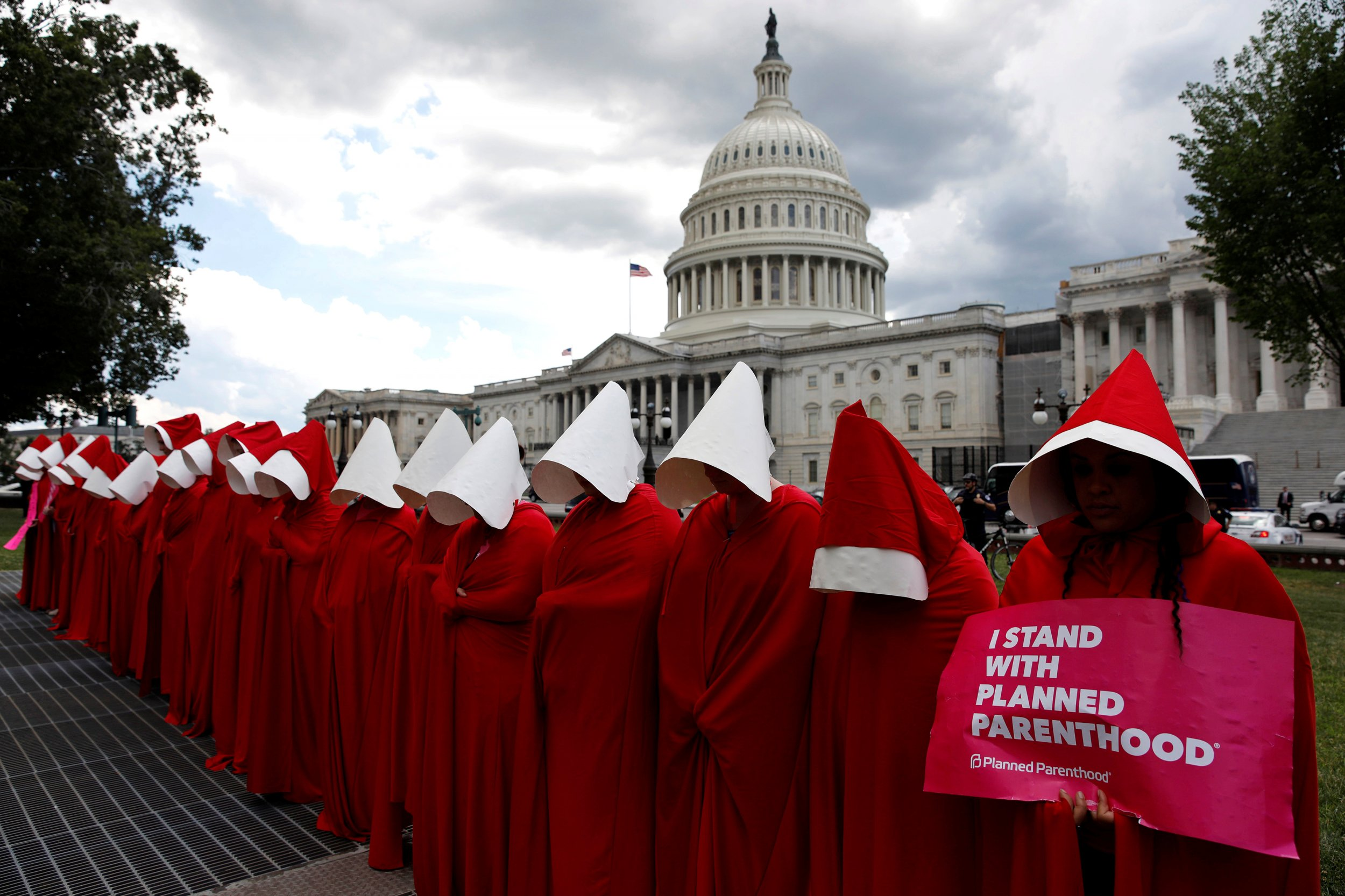 Womens Rights Why The Handmaid Has Become A Symbol Of Anti Trump