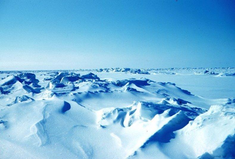 800px-Sea_ice_terrain