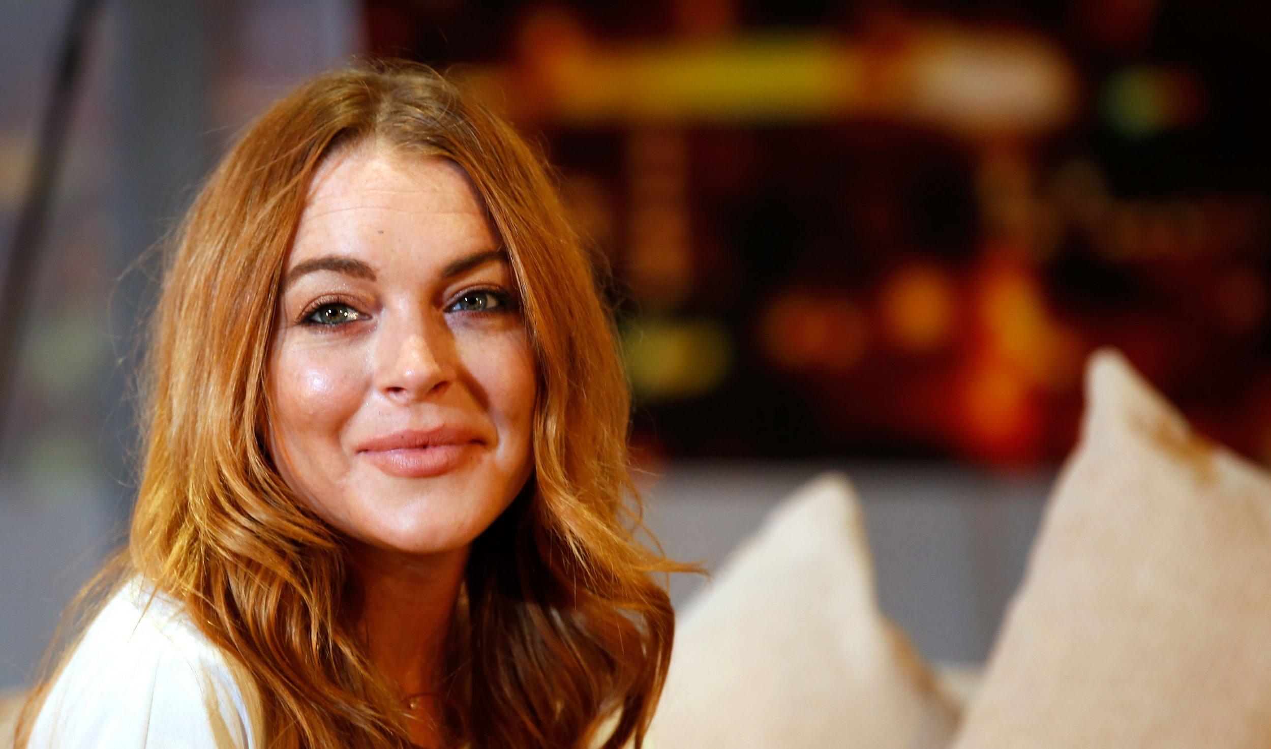 Lindsay Lohan: Stop bullying Donald Trump