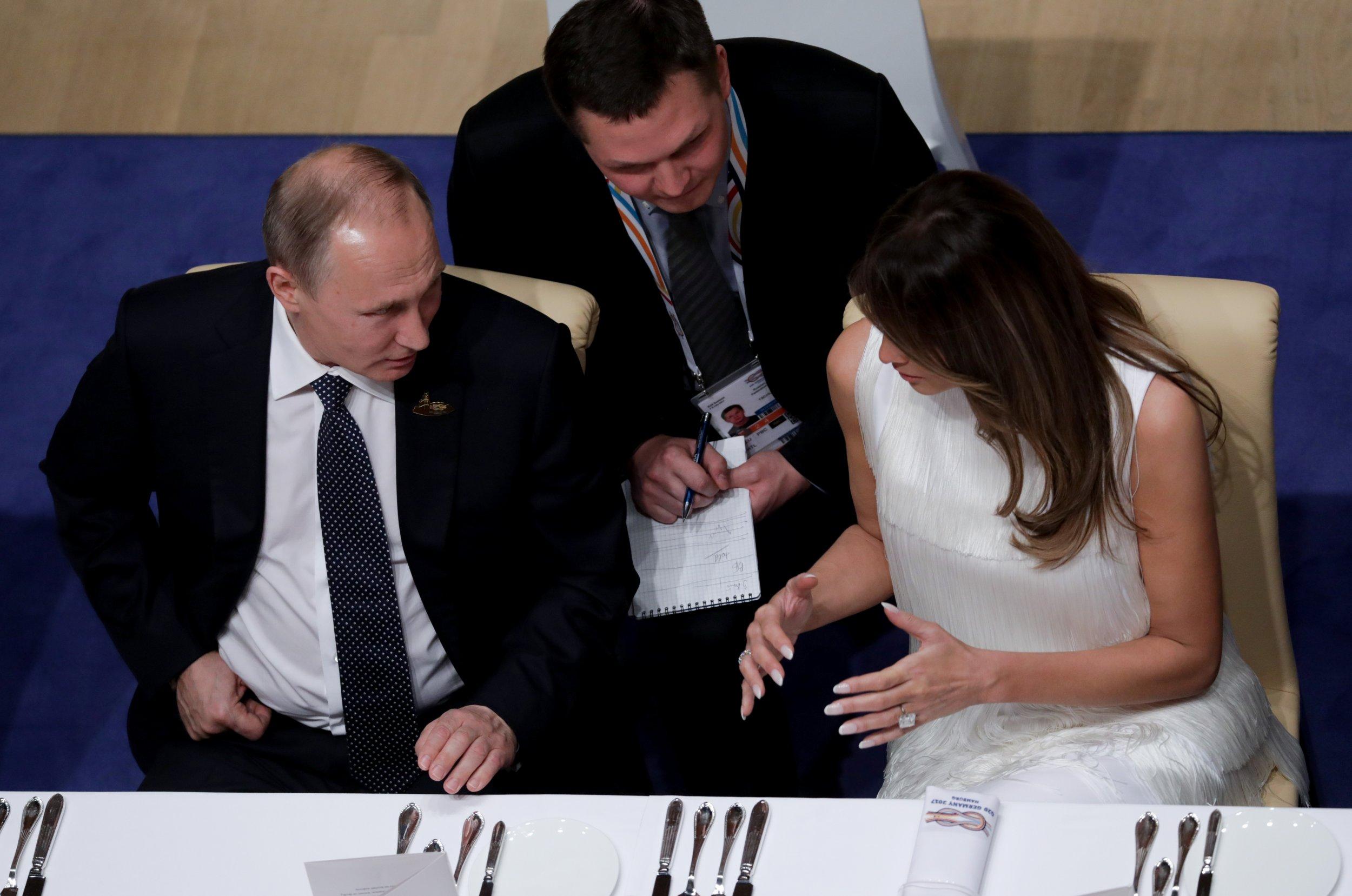 Putin speaks to Melania