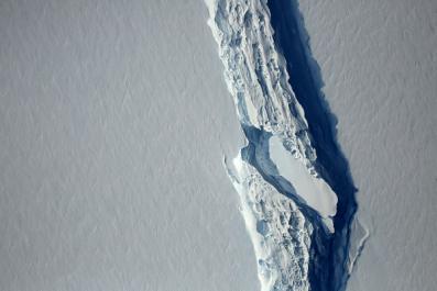 Giant iceberg finally breaks off the Larsen C ice shelf in Antarctica