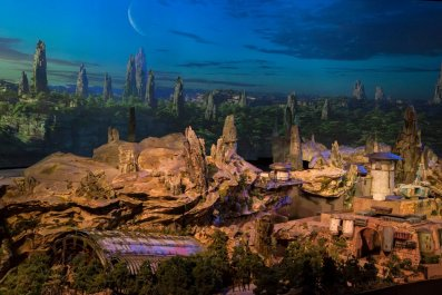 star-wars-land-2