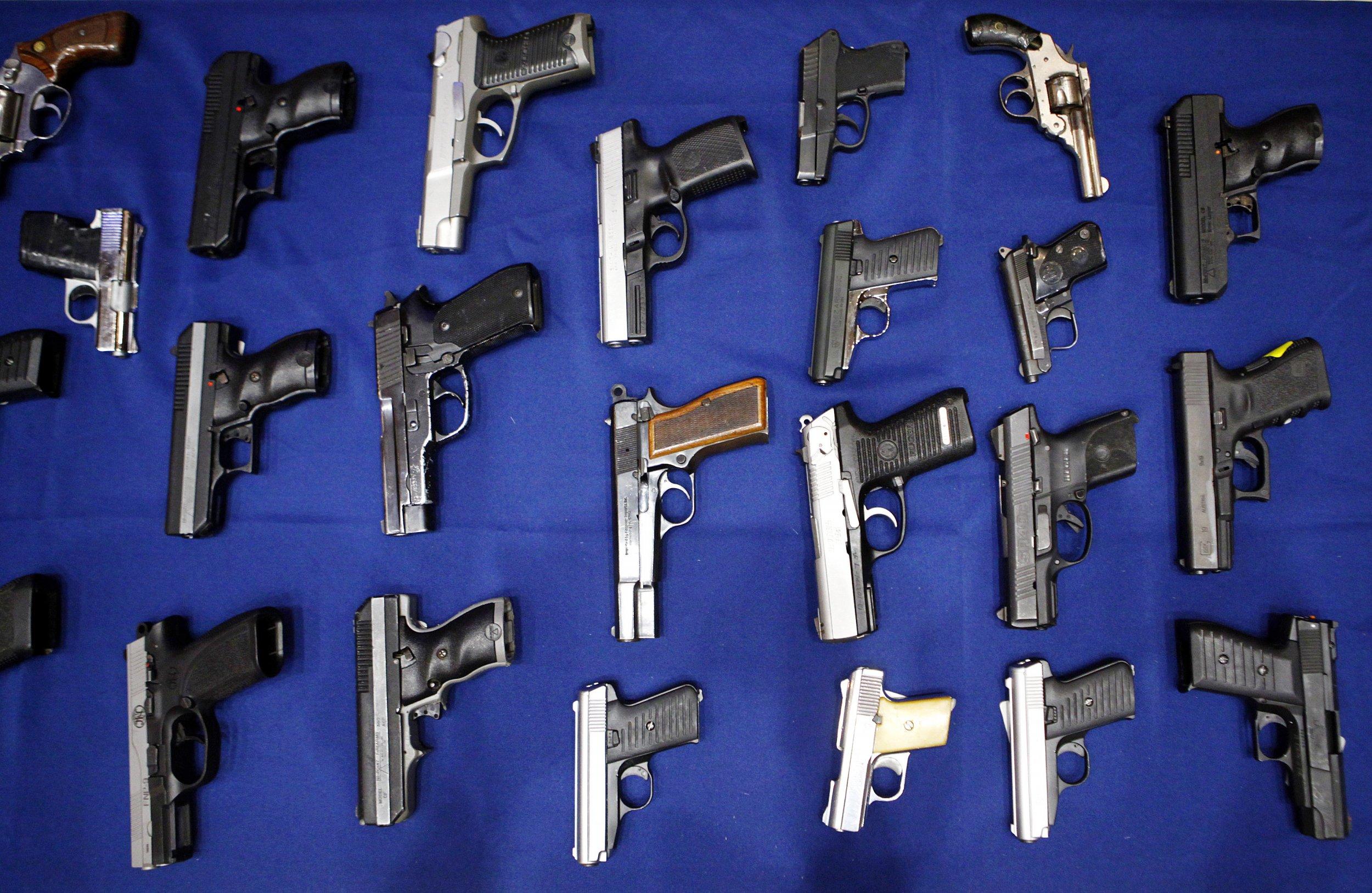 0718_Wichita_State_Univresity_handgun_01