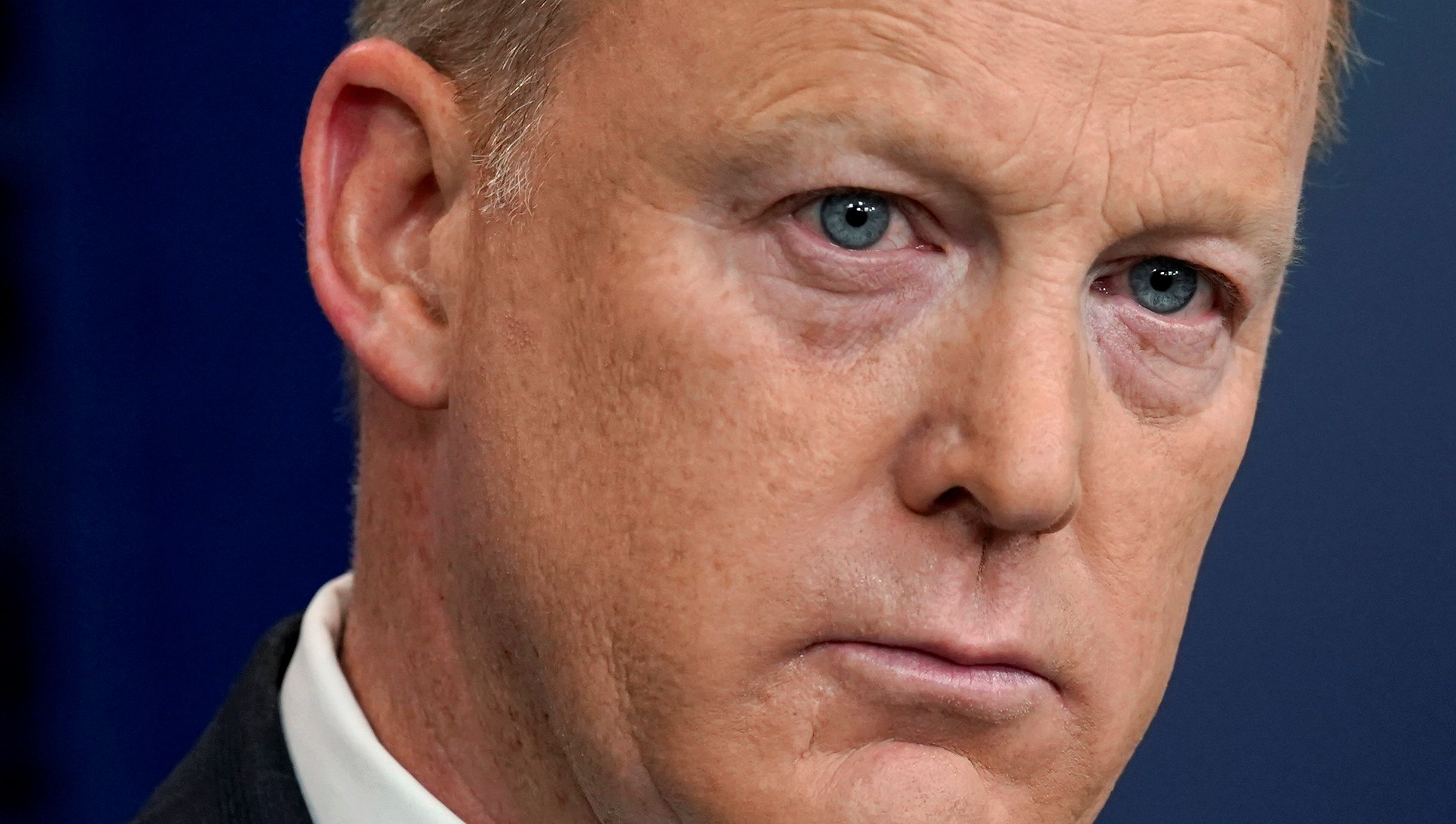 Sean Spicer stole a mini fridge from Junior White House staffers