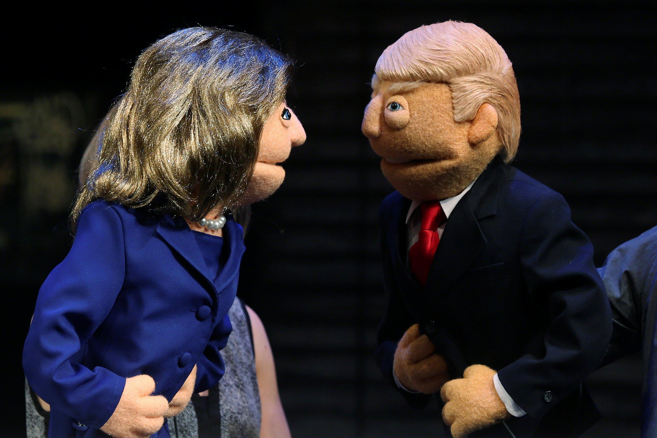 Clinton Trump puppets