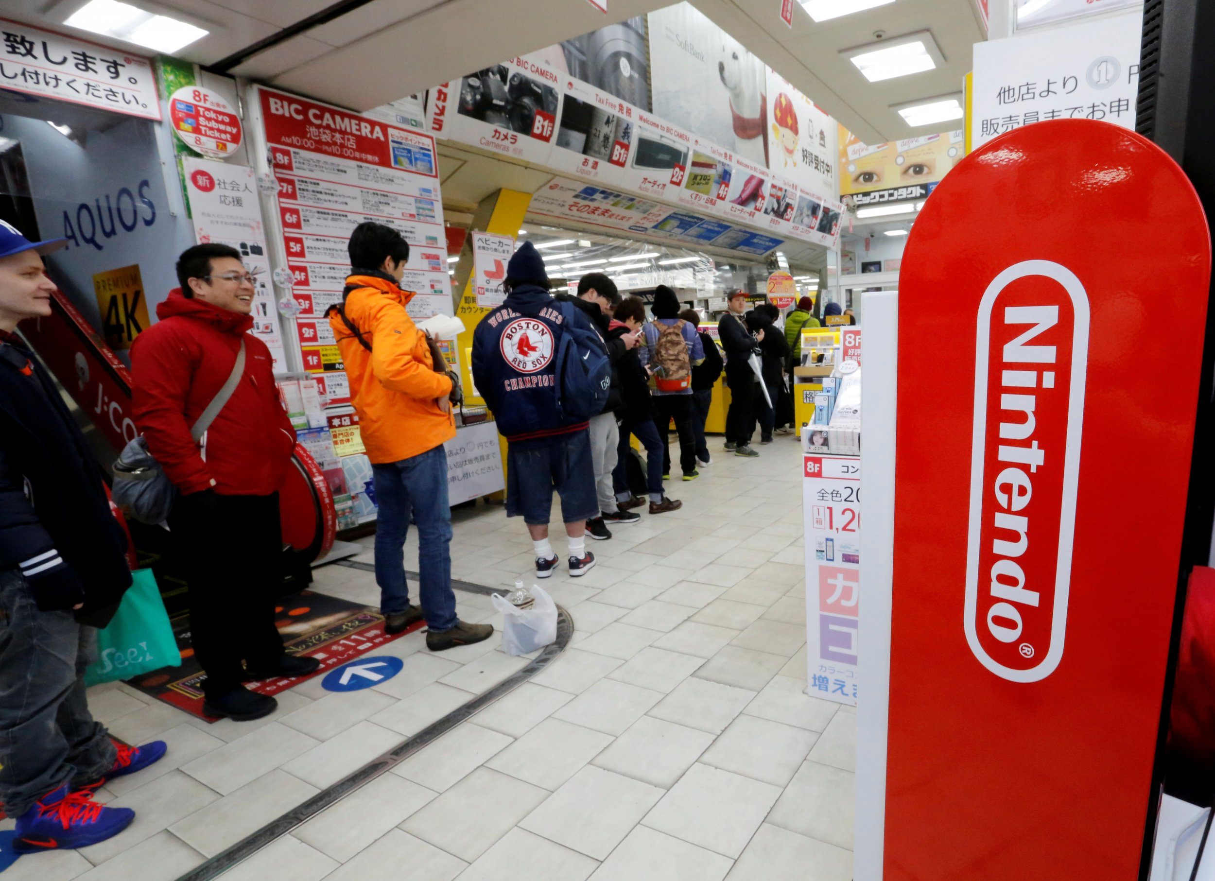 People line up for Nintendo Switch