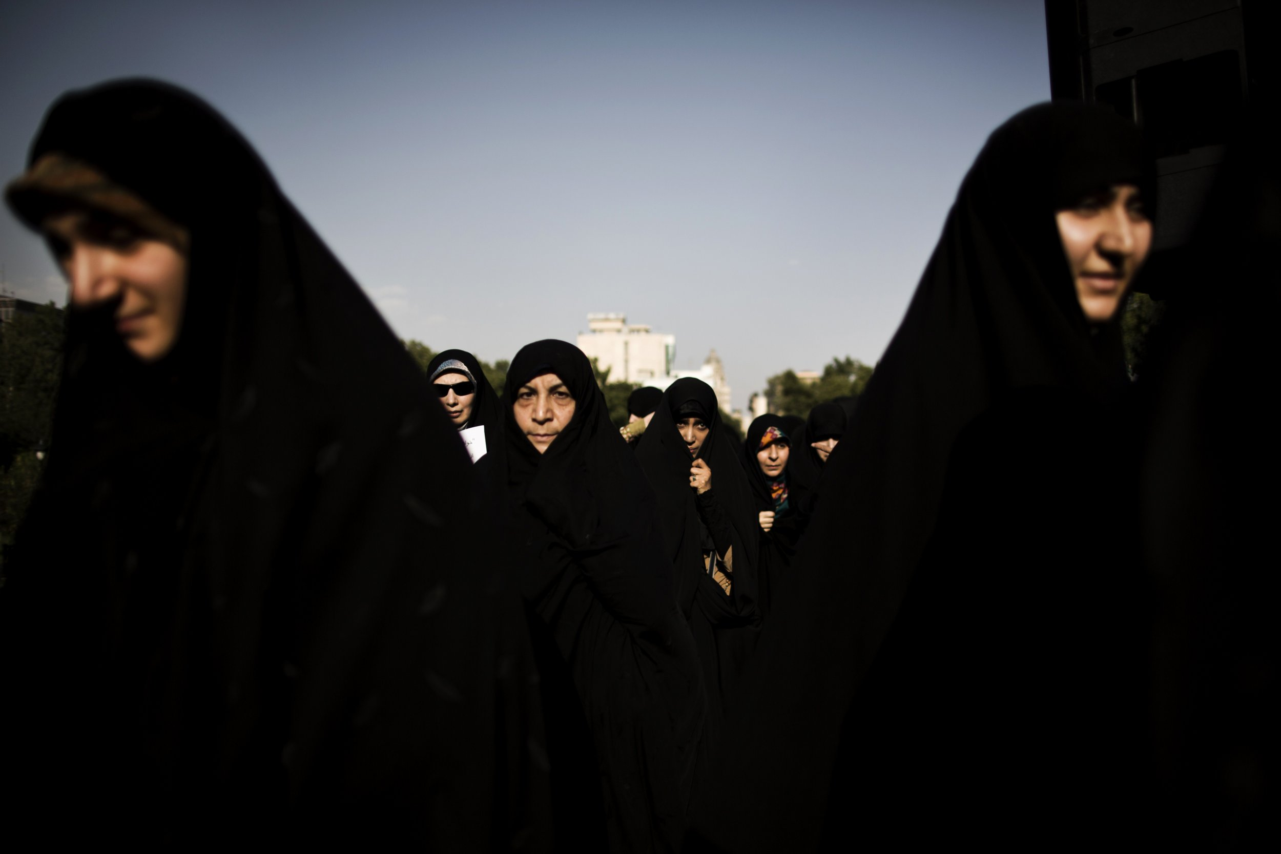 Iran women veiled
