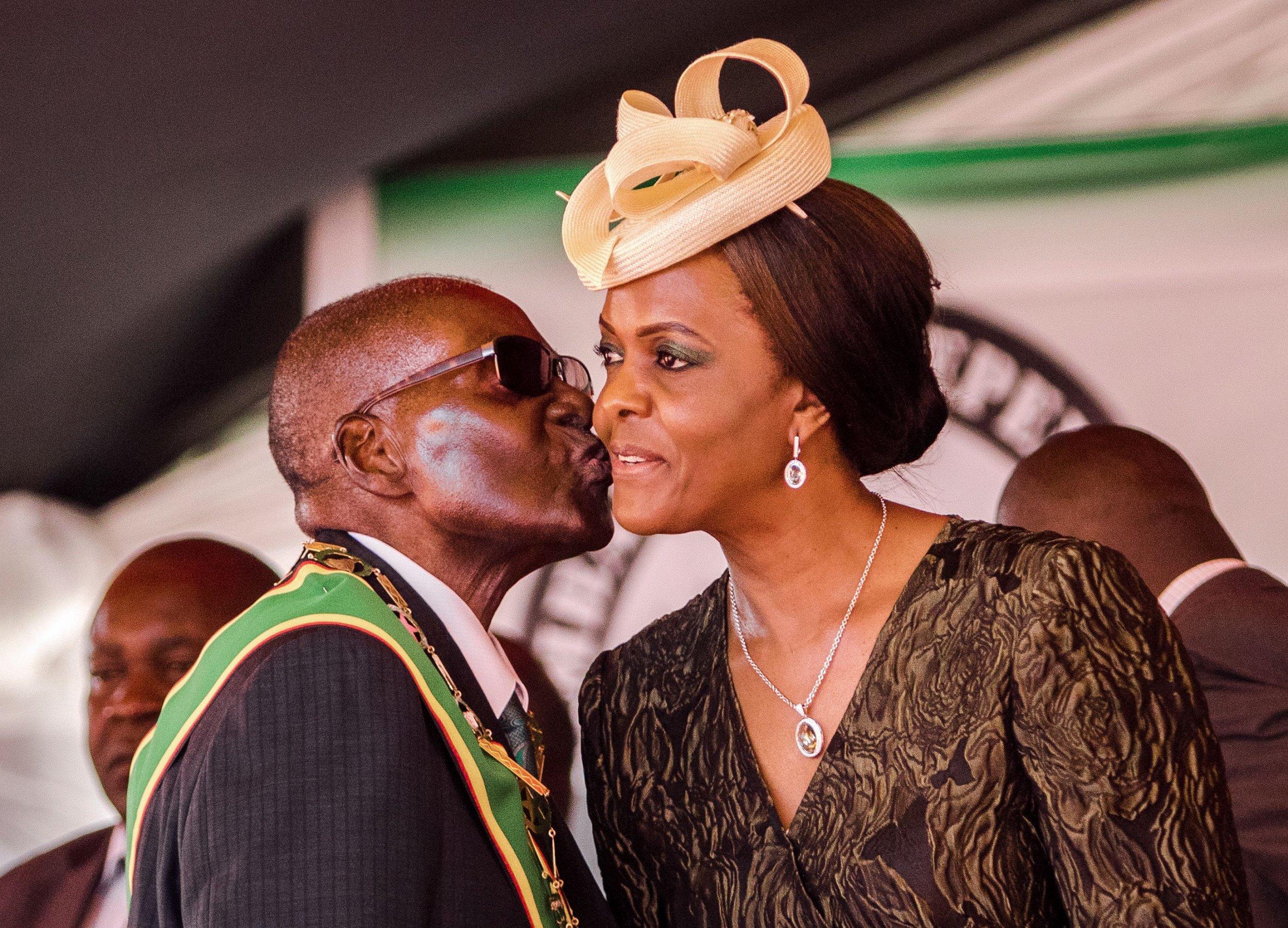 Zimbabwe Leader Robert Mugabe Challenged to Name Successor