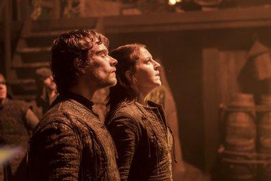 Yara Greyjoy and Theon Greyjoy in Game of Thrones