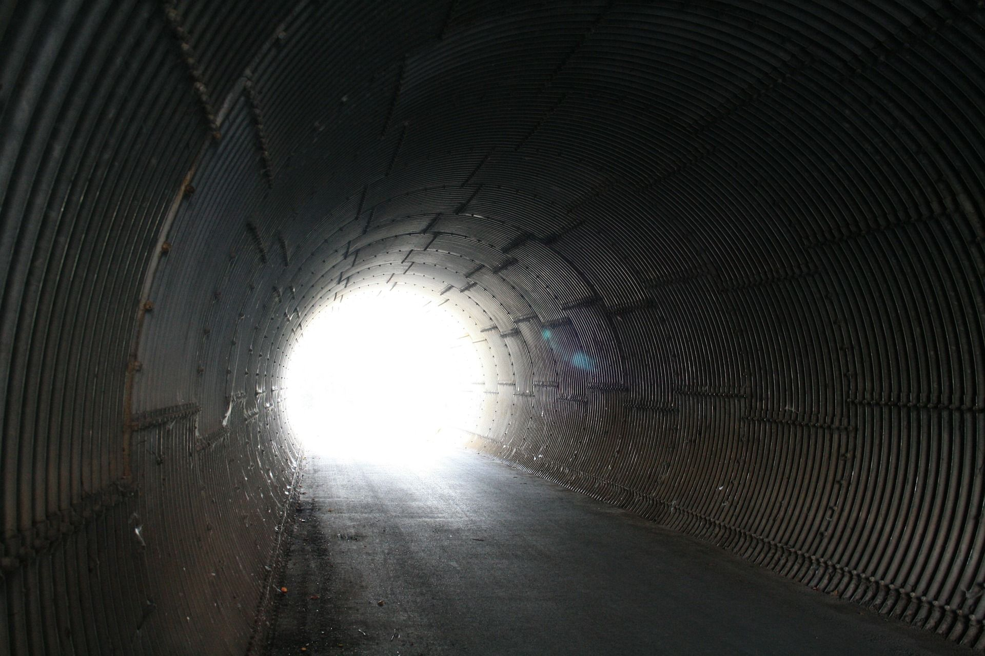 tunnel-72616_1920