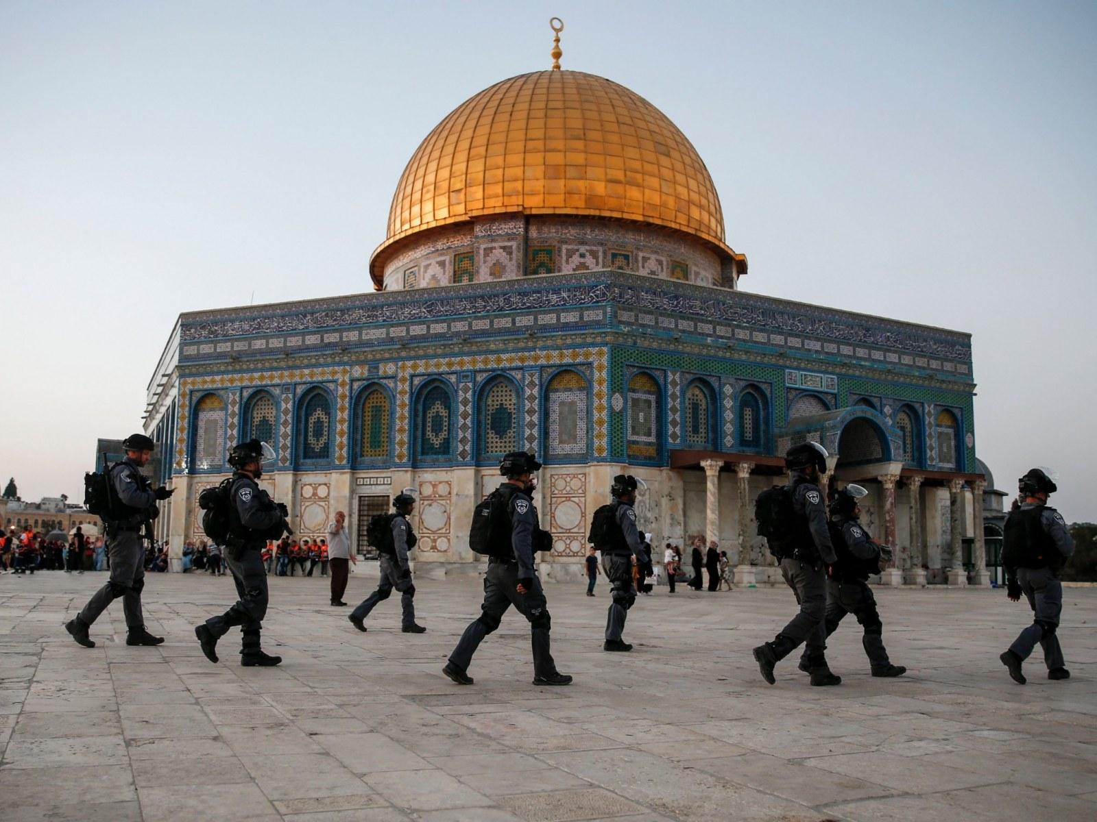 Israel Police Bar Men Under 50 From Holy Site As Jerusalem