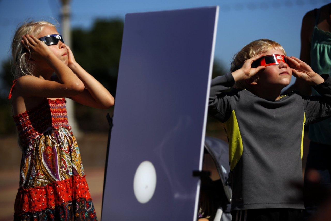08_11_SolarEclipse_01