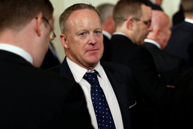0801_Sean_Spicer_role_01