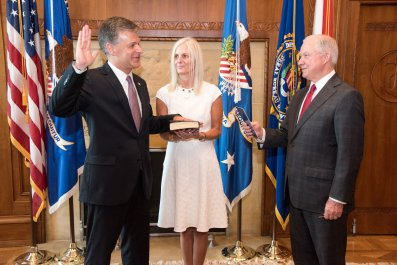 08_02_Christopher_Wray_sworn_in