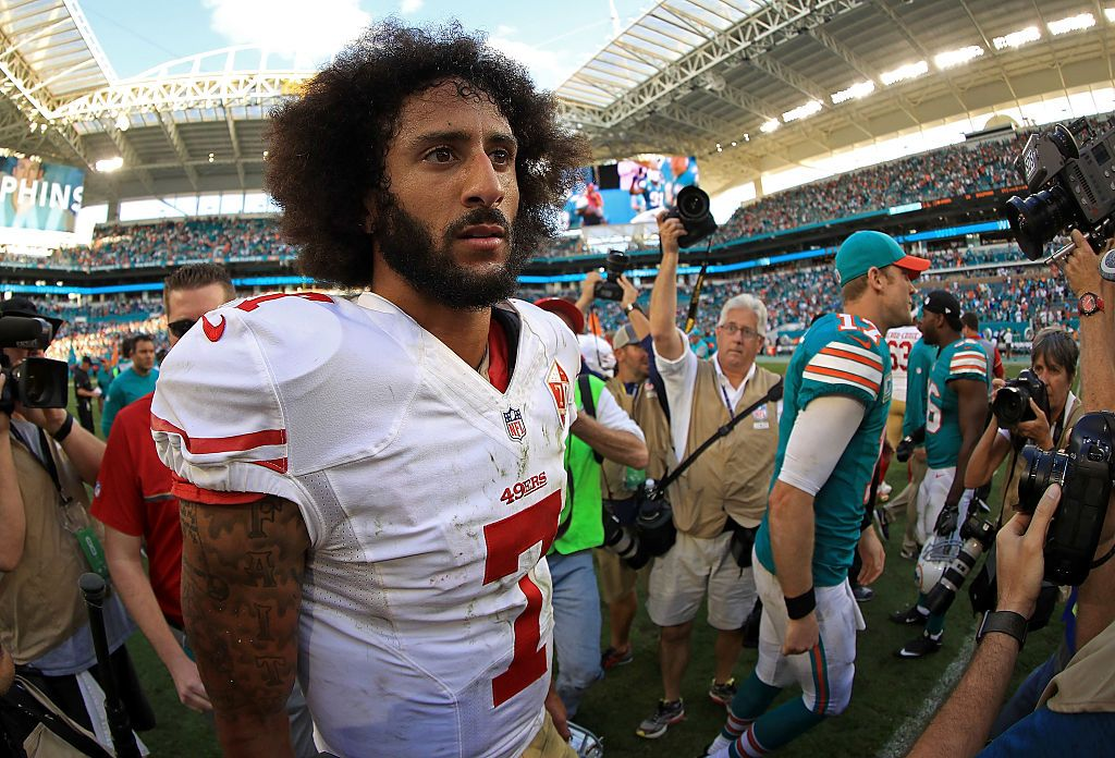 Colin Kaepernick Says It's A Lie He Would Stand For Anthem ...