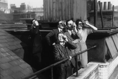 08_19_Eclipse_1918_newspapers