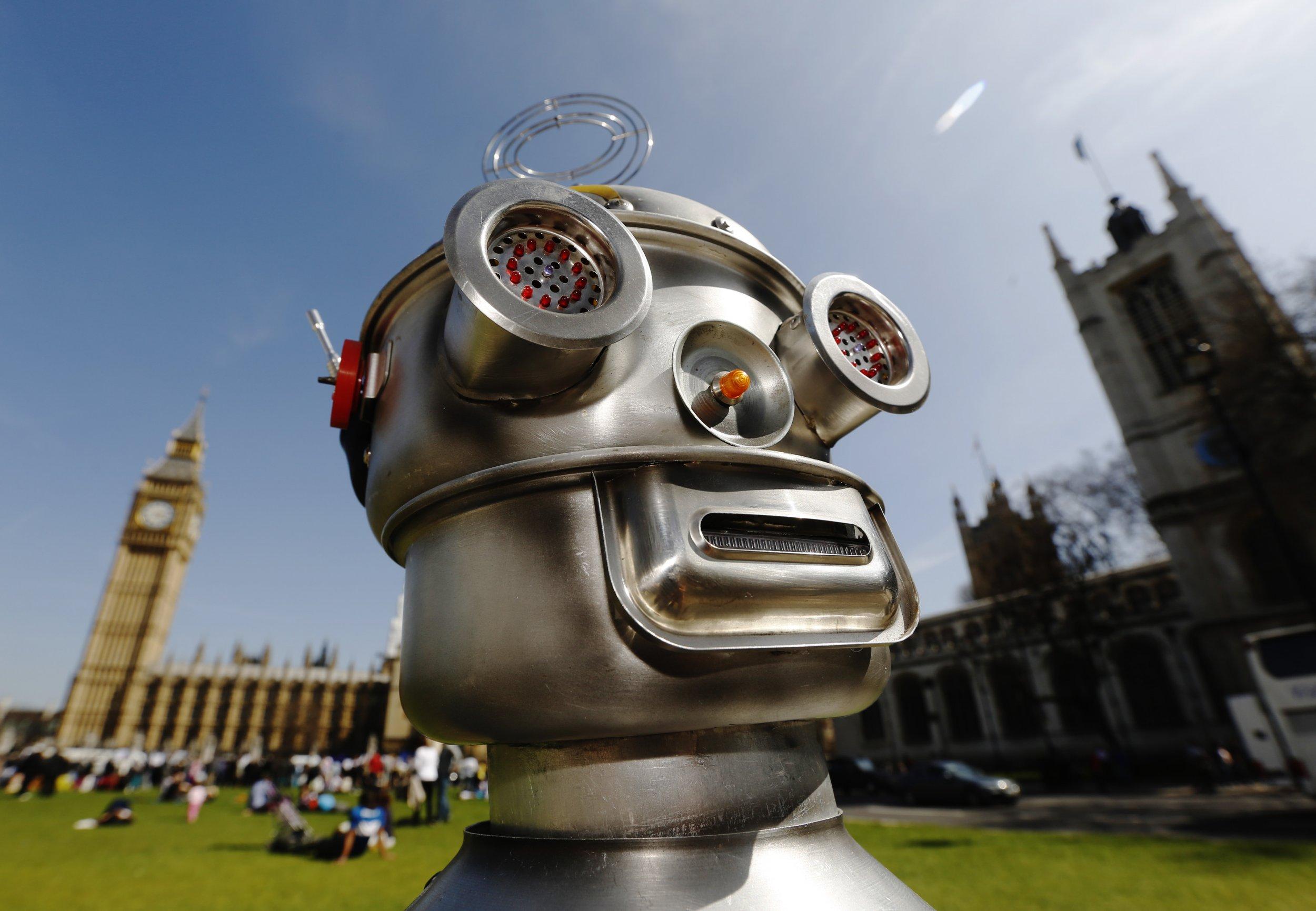 Elon Musk warns that killer robots could devastate mankind