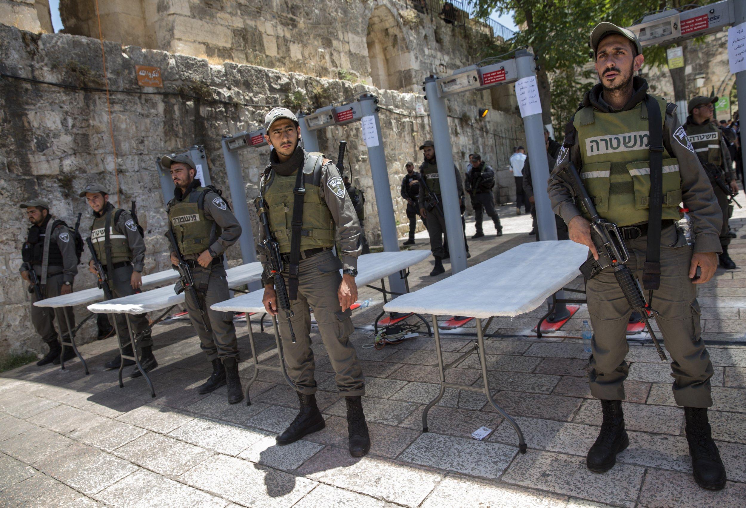 09_08_Palestinians_01