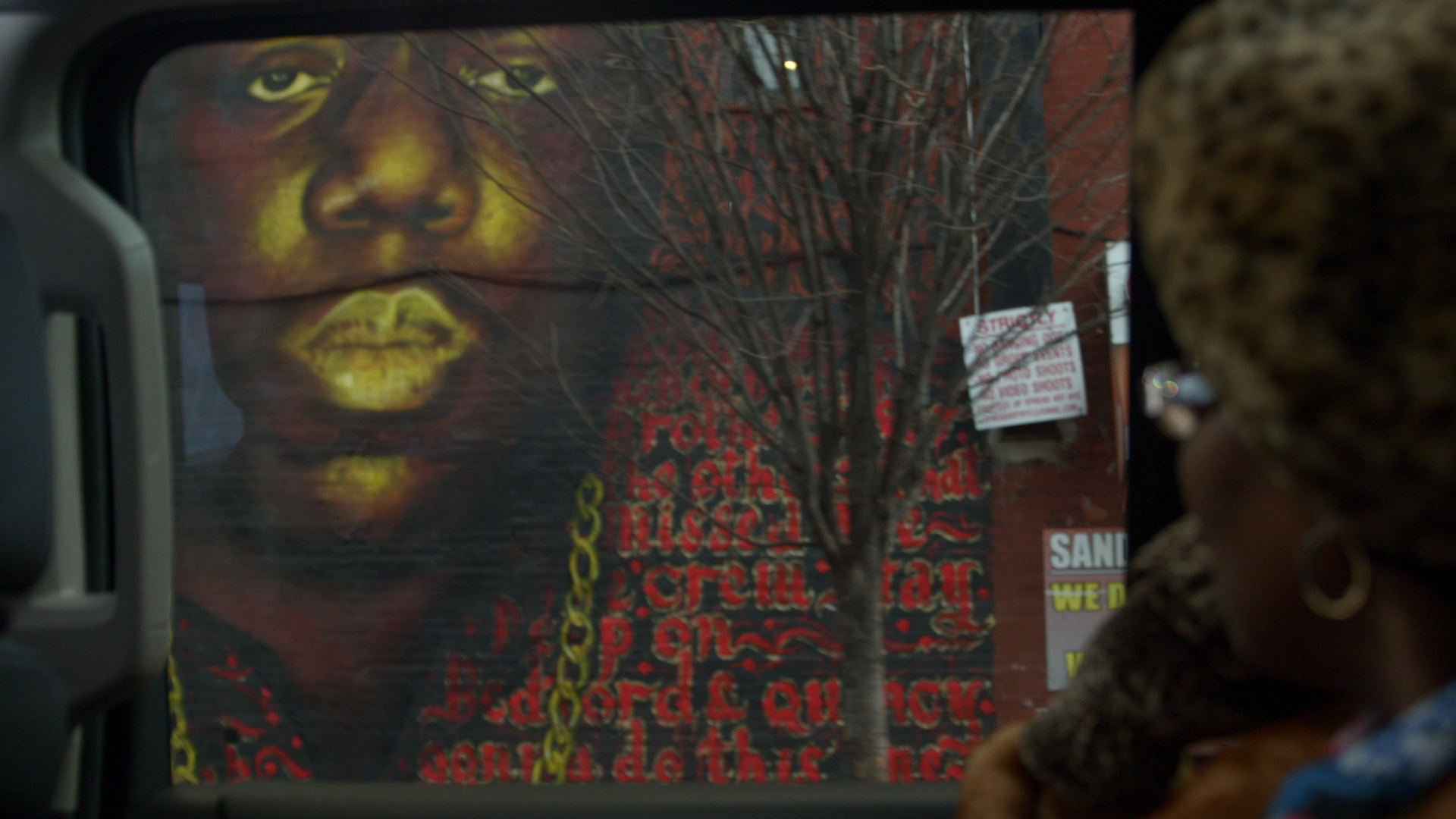 Notorious b i g documentary follows rapper 39 s rise from for Biggie smalls mural brooklyn