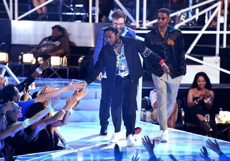 Kendrick Lamar accept the Best Hip Hop award for 'Humble' onstage during the 2017 MTV Video Music Awards