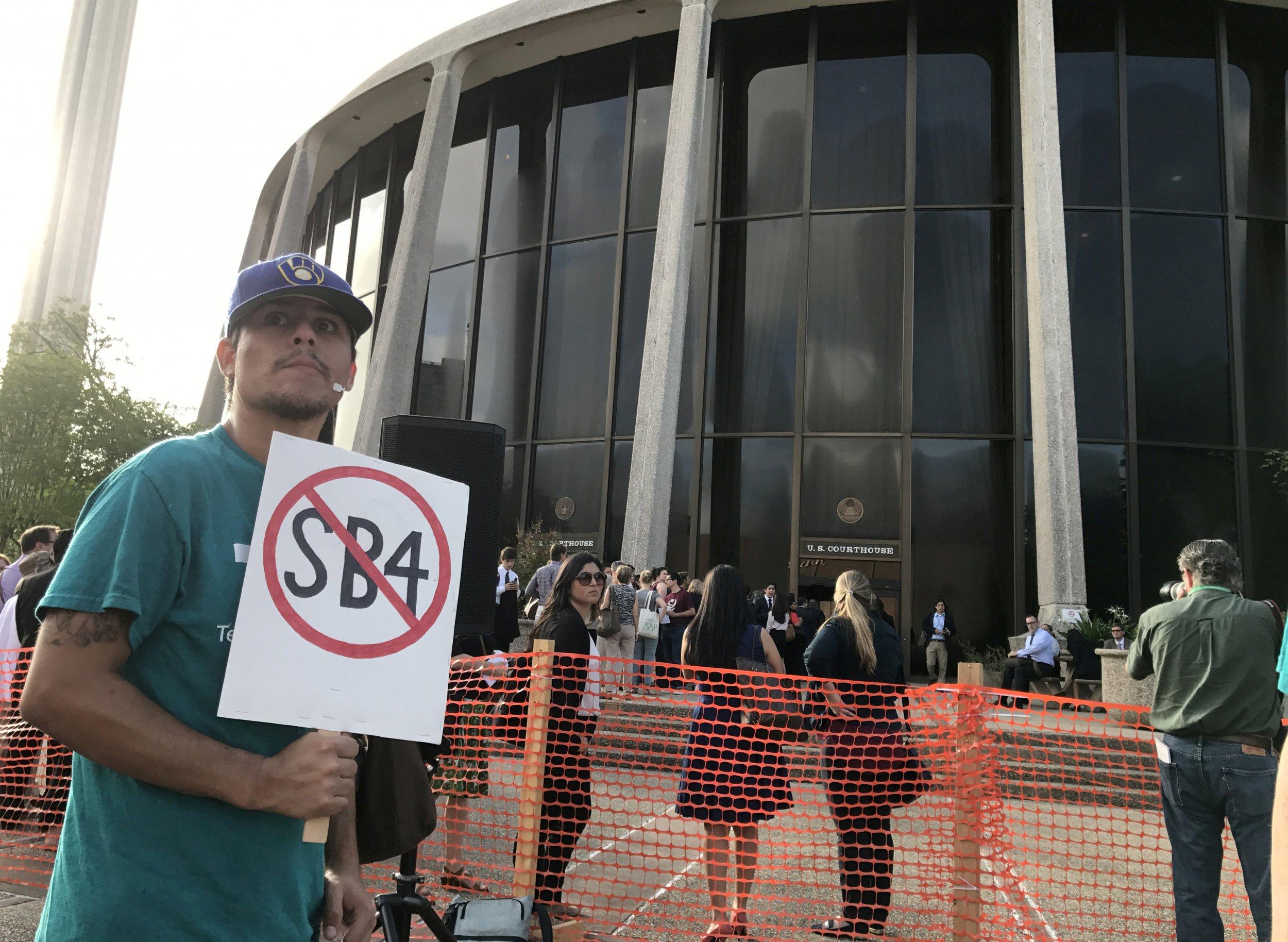 Texas protest against sanctuary cities crackdown