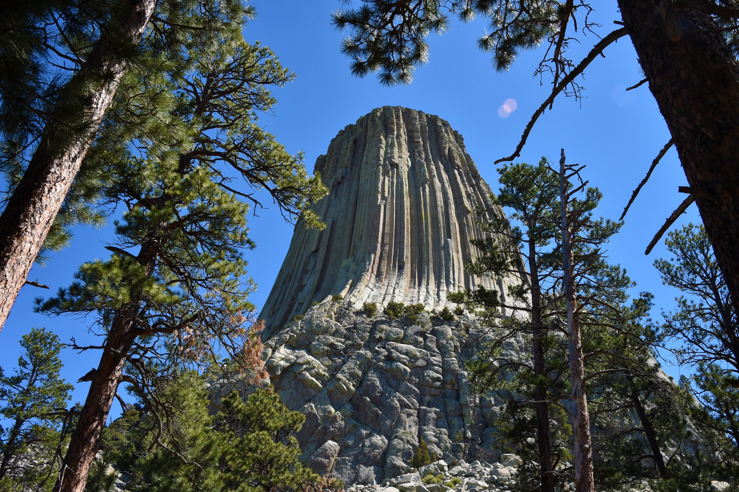 Devils Tower Wy >> Are Aliens Real Devils Tower The Rock Formation From
