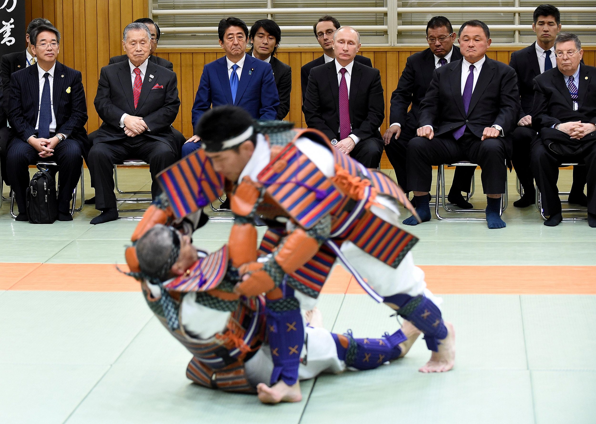 Putin S Judo Diplomacy Japan S Pm Wants Olympian To Fight Russian Leader