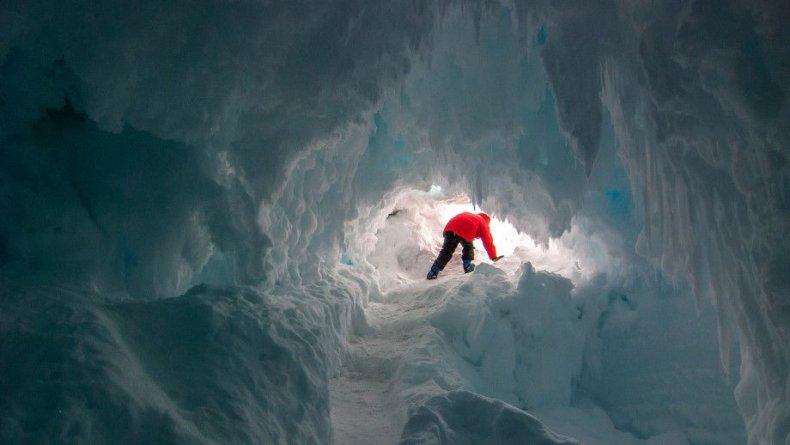 antarcitca ice cave 2