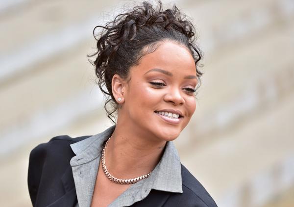 How to Buy Rihanna's F... Rihanna Ageshamming